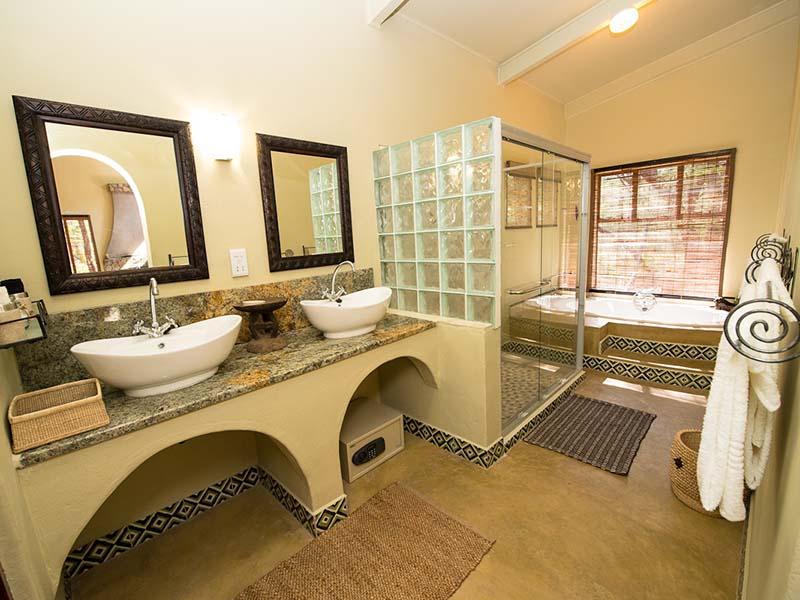 Camelthorn Lodge Bathroom