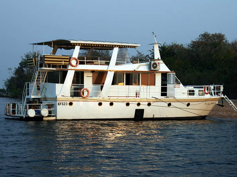 Lady Jacqueline Houseboat Package